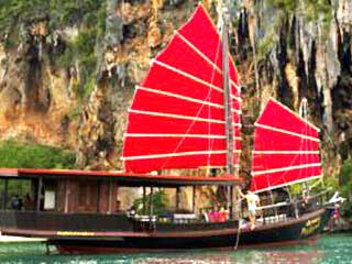Visit the Krabi 4 Islands in style abourd this centuray old Tradtional chinese junk