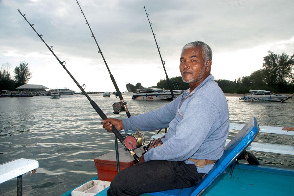 Krabi big game fishing ao nang koh phi phi koh keaw for Boat fishing games